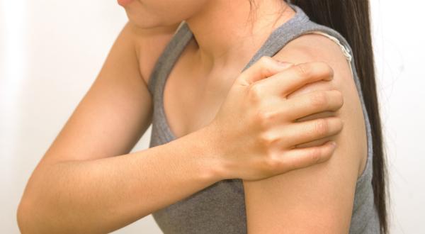 smerter i venstre skulder